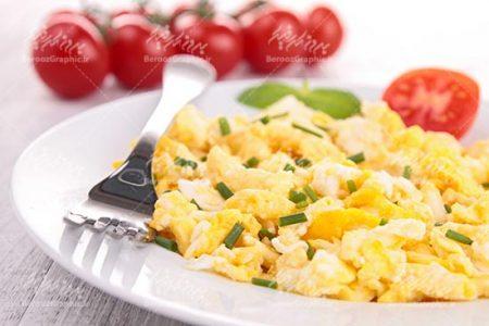 صبحانه تخم مرغ، سبزی و گوجه فرنگی